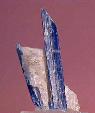 Large Kyanite Image